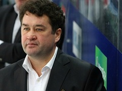 Венер Сафин вошел в топ-5 лучших тренеров КХЛ