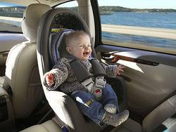 В России могут увеличить штраф за перевозку детей без автокресел