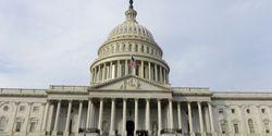 Спецслужбы США продолжат прослушивать телефоны иностранцев