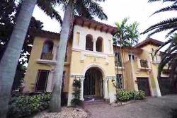 Сквоттер захватил дорогой особняк во Флориде