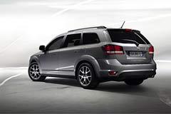 Компания Fiat сообщила о старте продаж на российском рынке кроссовера Fiat Freemont