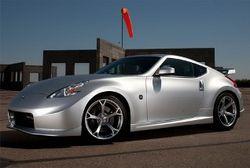 """Nissan представила """"умные часы"""" для водителей"""