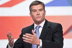 Министр по делам миграции Британии уволился из-за уборщицы-гастарбайтера
