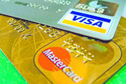 Visa и MasterCard прекратили операции по картам СМП Банка
