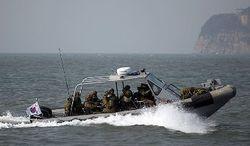 КНДР проводит военные учения на границе с Южной Кореей