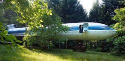 Пенсионер из штата Орегон построил дом из самолета Boeing 727