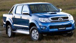 Toyota в 2015 году представит заряженный пикап Hilux