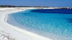 В Средиземном море за $2,058 млн продается необитаемый остров