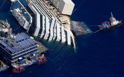 Началась буксировка затонувшего пассажирского лайнера Costa Concordia