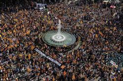 В Барселоне прошли шествия в поддержку референдума о независимости