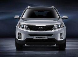 Kia привезет на автосалон в Париж вседорожник Sorento и обновленные Venga и Rio