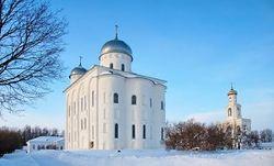 В Новгороде завершили реставрацию куполов и кровли Георгиевского собора
