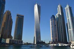 Пентхаус в самой высокой в мире витой башне в Дубае продается за $13,7 млн