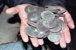 В Москве при строительных работах обнаружен клад времен царя Алексея Михайловича