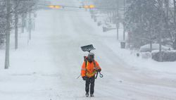 Снегопады нарушили авиасообщение в Канаде