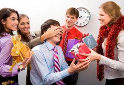 Более половины сотрудников уфимских компаний Уфы подарят новогодние подарки коллегам