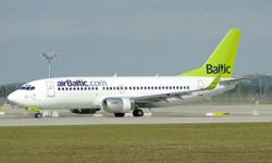 В Риге из-за проблем с шасси самолет совершил аварийную посадку