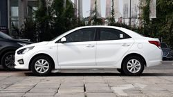 Седан Hyundai Reina
