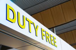 Депутат от ЛДПР предложил перенести duty free из зоны вылета в зону прилета